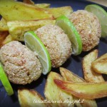 Polpette di pollo e lime alle mandorle con patate arrosto