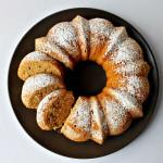 Bundt cake arancia e nocciole senza lattosio