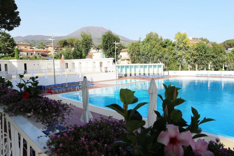sakura piscine