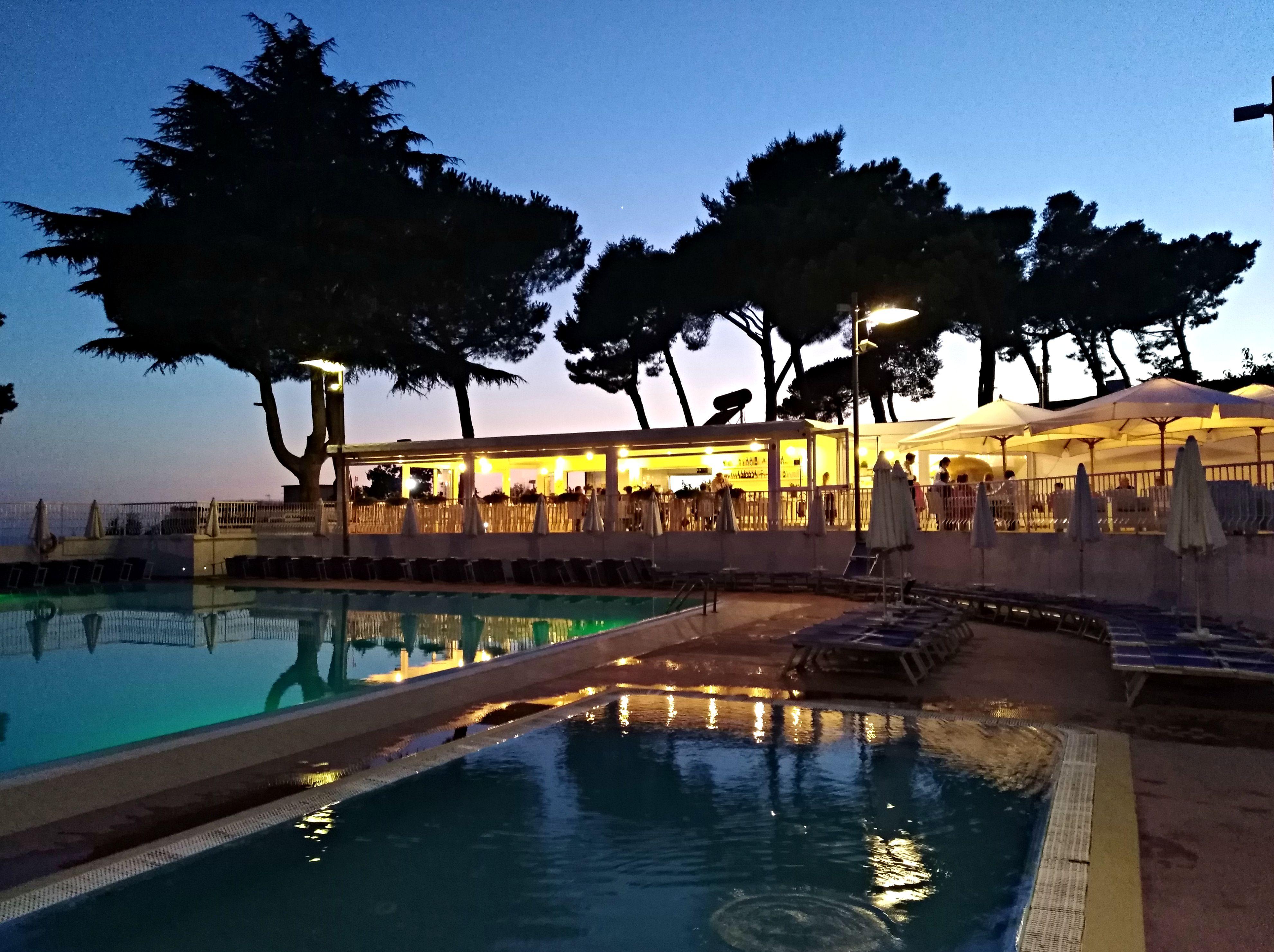 Piscina A Torre Del Greco pizzeria magma piscine sakura: gusto, convivialità e
