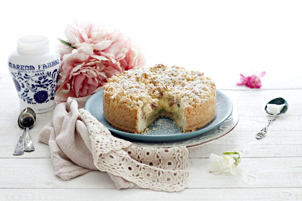 torta sbriciolata crema e amarene