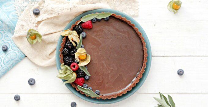 Crostata senza cottura con panna cotta al cioccolato